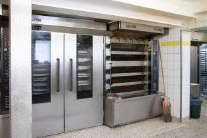 Produktion Schönmünzach, Ofen für Brote und Brezeln