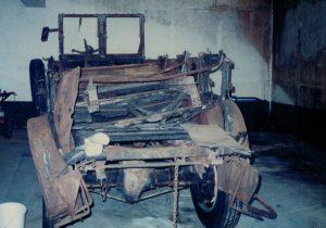 Der White Bus aus dem Jahr 1925, eine ausgebrannte Ruine